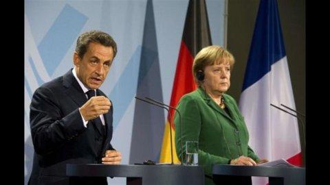 """La Merkel stizzita: """"I francesi non si spostano di un millimetro"""""""