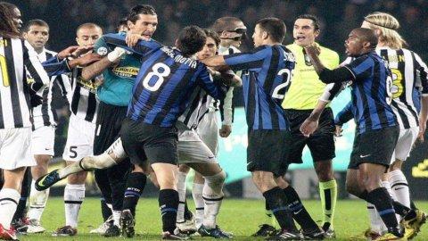 Anticipi stellari della A: la Juventus espugna San Siro e il Milan vince all'Olimpico