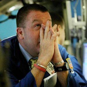 Borsa: Intesa, Unicredit e Fiat Industrial sospese