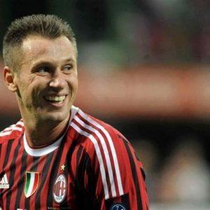 Il calciatore del Milan Antonio Cassano sarà operato al cuore: rientro fra 6 mesi