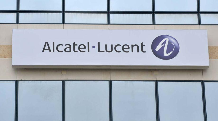 the alcatel lucent merger essay Alcatel's merger partner lucent is faring less well: it expects revenue and profit to fall in the second quarter (its fiscal third quarter), it said monday the merged entity will be organized into three groups: enterprise, service and carrier hubert de pesquidoux, currently president of alcatel's north.