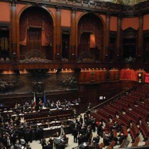 Crisi raffinazione in Italia, al via indagine alla Camera