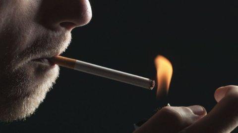 Milano, vietato fumare: i divieti in vigore dal 19 gennaio