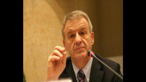 Clini: la priorità è raggiungere l'obiettivo della riduzione dei gas serra, come richiede l'Europa