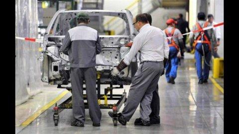 Confindustria, centro studi: Italia in recessione (-2,4%) nel IV trimestre