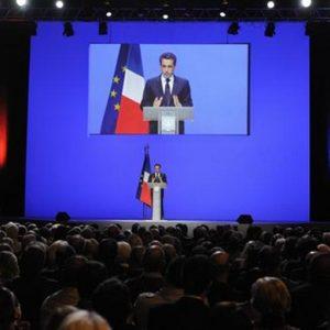 """Sarkozy: lunedi' proposte con la Merkel. """"L'Europa rischia di essere spazzata via dalla crisi"""""""