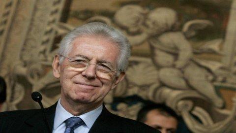 Manovra Monti: le novità nel testo definitivo, dai carburanti all'Iva, dalle pensioni al superbollo