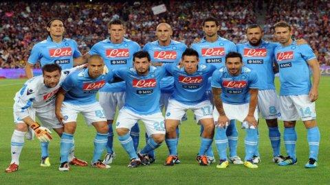 Napoli, mon amour: dagli scudetti di Maradona alla serie C, e ora gli ottavi di Champions