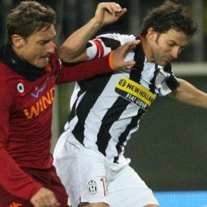Roma-Juventus, partissima del lunedì sera all'Olimpico: Totti ci sarà, Del Piero in panchina