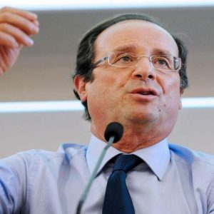 """Francia, Hollande: """"Se vinco le elezioni proporrò subito un nuovo accordo europeo"""""""