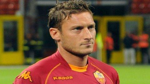 CAMPIONATO SERIE A – La Roma ritrova Totti e sfida la Fiorentina dell'ex Montella