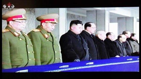 La Cina è la prima a fabbricare T-shirt con Kim Jong-Il