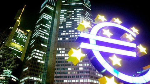 Bce, nuovo record per depositi overnight: 453 miliardi di euro