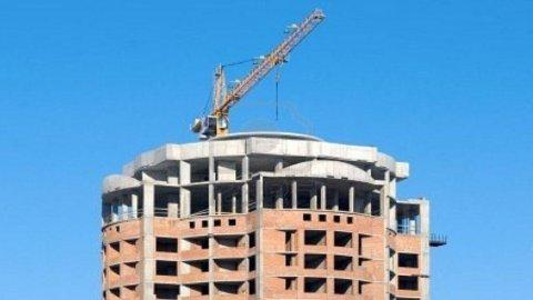 Costruzioni in calo: -9,9% in febbraio
