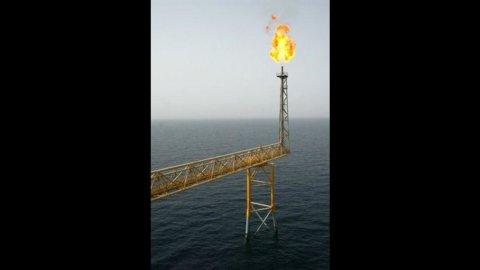 Eni, due miliardi dall'Iran e nuovo giacimento nel mare di Barents