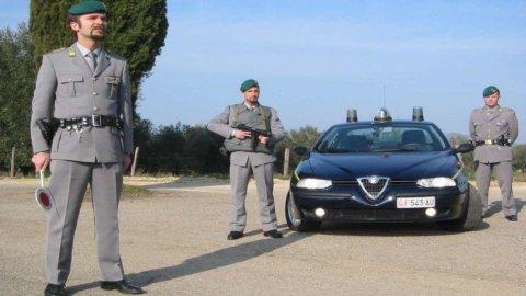 Analisi Confcommercio: Italia maglia nera per tangenti e burocrazia