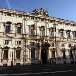 Sui referendum Corte tra due fuochi
