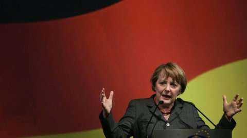 Germania: boom domanda all'asta Bund, rendimenti allo 0,9%