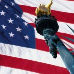 Bandiera Usa e statua della Libertà