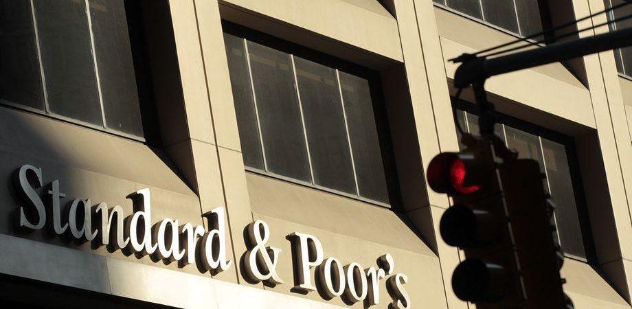 Borsa, Unipol crolla dopo downgrade S&P