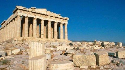 Grecia, il dramma della crisi: disoccupazione, giovani in fuga, suicidi