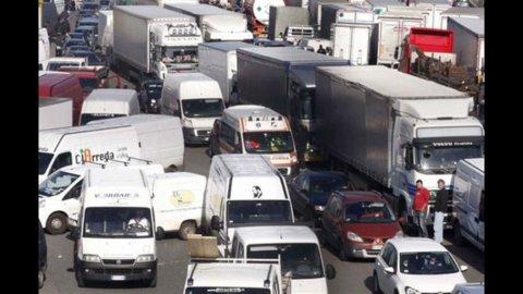 Sciopero autotrasportatori, l'Italia all'Ue: fermeremo i blocchi
