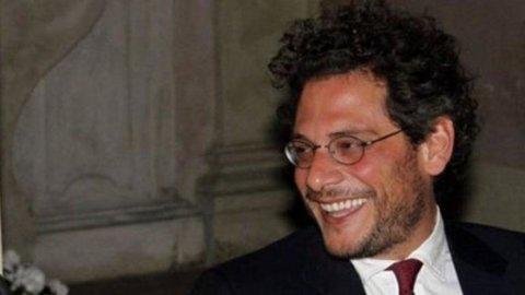 """Il viceministro Martone: """"Secchioni è bello, chi si laurea a 28 anni è sfigato"""". Ed è polemica"""