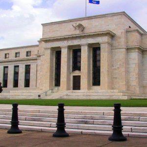La politica accomodante della Fed dà sprint alla Borsa: Piazza Affari maglia rosa d'Europa