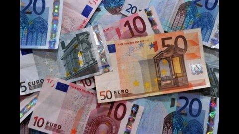 Zona Euro: per la prima volta da 10 mesi cresce fiducia nell'economia, in calo il dato italiano