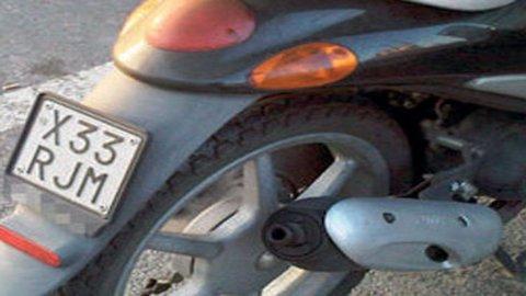Ciclomotori e microcar: Isvap, dal 12 febbraio obbligo di targa fissa