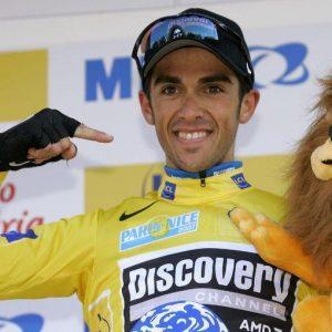 Ciclismo: Alberto Contador squalificato per due anni, perde anche Tour 2010 e Giro 2011