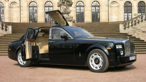 Rolls Royce: utili record nel 2011 (+21%)