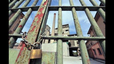 Eternit, sentenza storica: i due manager condannati a 16 anni