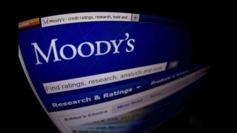 Moody's taglia il rating dei titoli italiani di due livelli, da A3 a Baa2