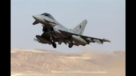 Difesa: saranno acquistati quaranta F-35 in meno e tagli al personale