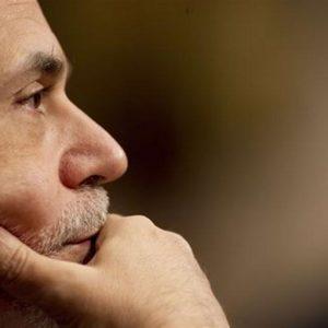 Euro debole, ma risale oltre quota 1,22 dollari: attesa per Bernanke