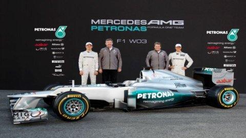 Formula 1: presentata la nuova monoposto Mercedes W03 a Montmelò