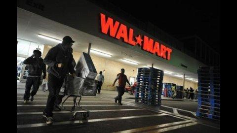 Wal-Mart, profitti in calo del 15%