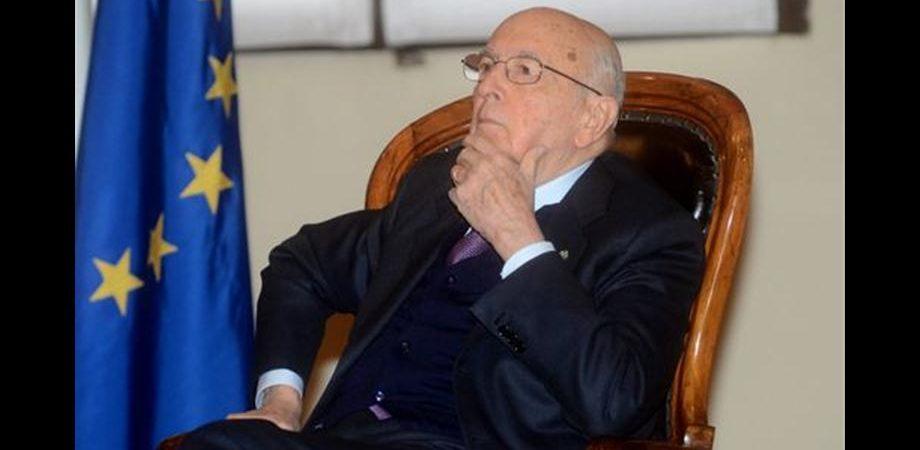 """Napolitano ferma Monti: """"Mi spiace ma non puoi dimetterti per presiedere il Senato"""""""