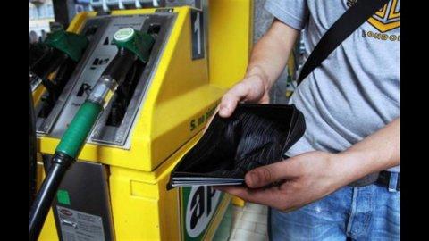 Prezzi benzina, aumenti record: verde a 1,92 euro nel Centro