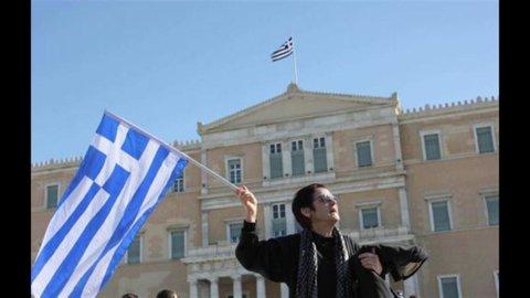 """Il rapporto della Troika: """"Atene ha bisogno di più tempo e più soldi"""""""
