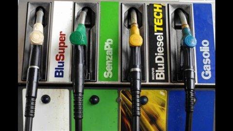 Prezzi benzina: verde vicina ai 2 euro al litro
