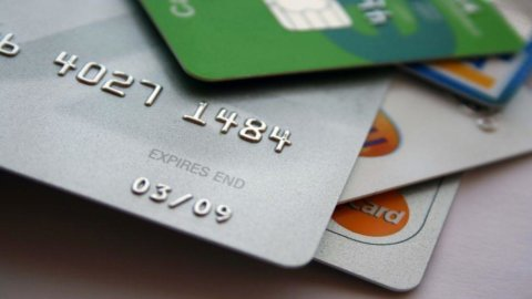 Carte di pagamento: tutela del consumatore o delle lobby?