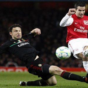Champions League, il Milan perde la faccia con l'Arsenal (0-3) ma non i quarti