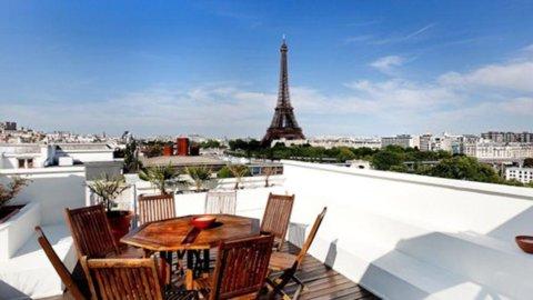 Parigi, cifra record per un lussuoso appartamento con vista Tour Eiffel: 46 milioni di euro