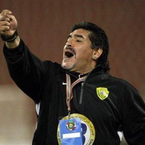Maradona e il fisco: l'eterno dribbling del bambino infinito