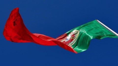 Portogallo, crollano le banche dopo l'annuncio dell'aumento di capitale del Banco Espirito Santo