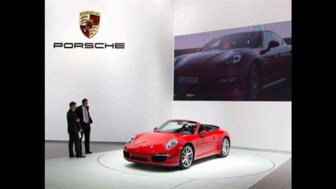 Porsche vola con la Cayenne: record storico degli utili (+22%)