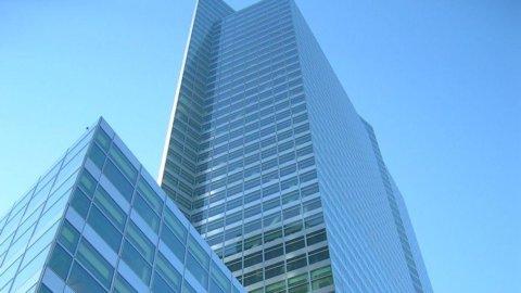 Goldman Sachs, conti giù ma meglio delle attese