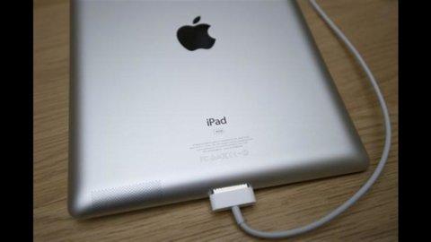 Svolta Apple: primo dividendo dal 1995, piano di buy-back da 10 mld, investimenti per 45 mld